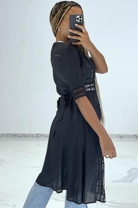 Kimono dété léger fluide noir avec détails broderie