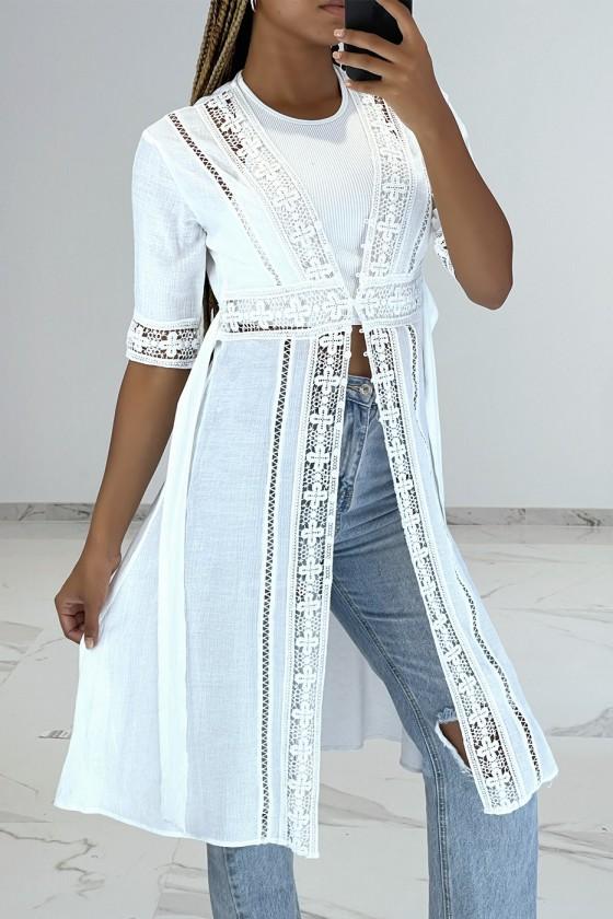 Kimono d'été léger fluide blanc avec détails broderie