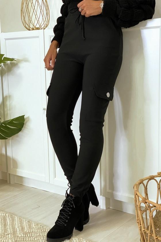 Pantalon jogging noir avec poches sur les côtés